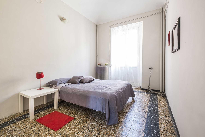 Particolare rosso home staging camera da letto - UAU